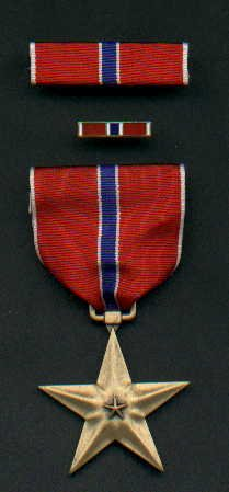 US BRONZE STAR MEDAL WITH RIBBON BAR AND LAPEL PIN