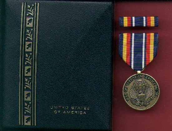 Global War on Terror Service WOT medal in case with ribbon bar and lapel pin