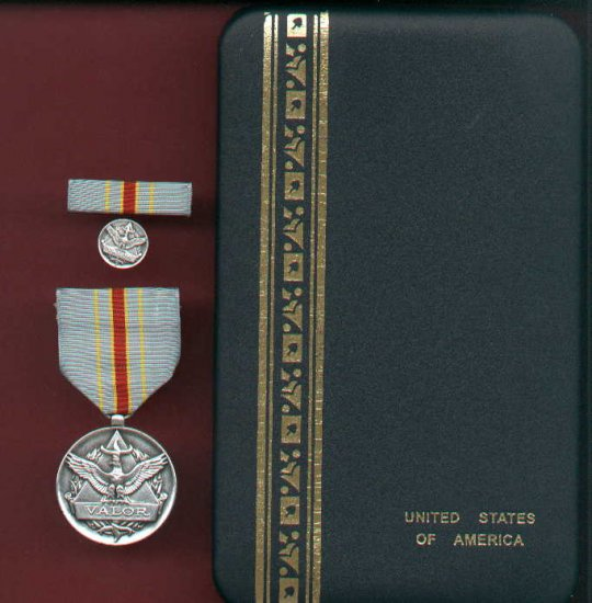 USAF Civilian Award for Valor silver with ribbon bar and lapel pin in case