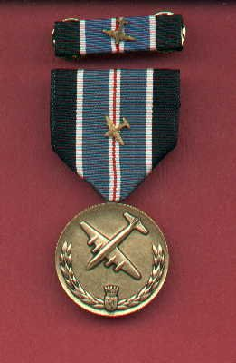 Berlin Airlift medal with Airplane Device with ribbon bar