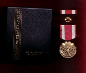 Meritorious Service medal decoration set with ribbon bar and lapel pin in case