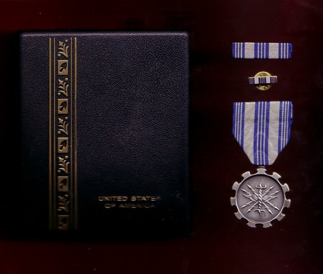 Usaf air force achievement medal decoration set with for Air force decoration