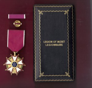 Legion of Merit medal LOM in WWII Case with ribbon bar and lapel pin