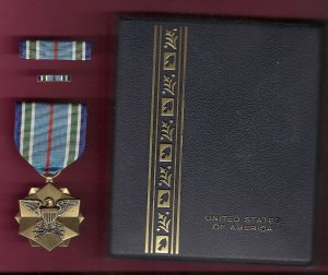 Joint Service Achievement Award medal in case with ribbon bar and lapel pin   JS Medal