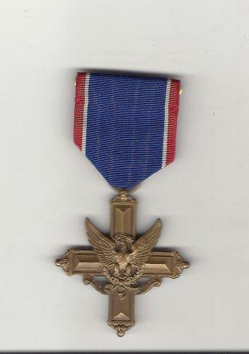 WWII Army Distinguished Service Cross medal  Vintage World War 2