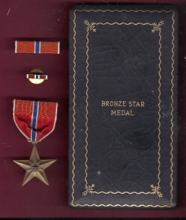 Genuine WWII Bronze Star medal in case with ribbon bar and lapel pin