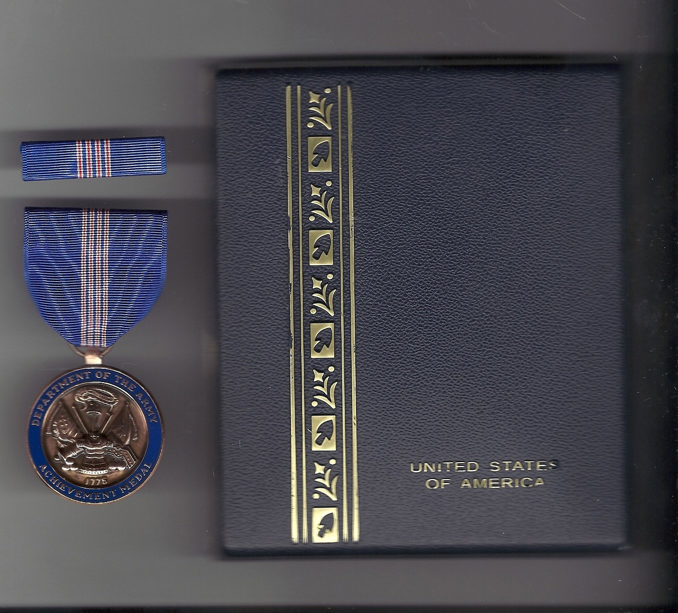 Army Civilian Achievement Award medal for Civilian Service with case with ribbon bar