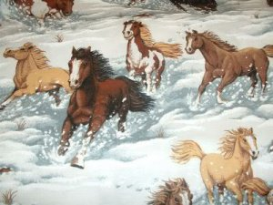 HORSES & STALLIONS RUNNING THROUGH THE SNOW-F/Q-QUILTING-SEWING-CRAFTING