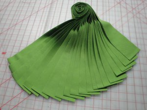 "JELLY ROLL-KONA COTTON ""GRASS GREEN""-20-2-1/2"" STRIPS-R. KAUFMAN-SPECIAL PRICE"