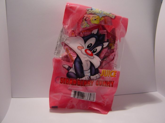 Baby Looney Tunes Strawberry Juice Gummy