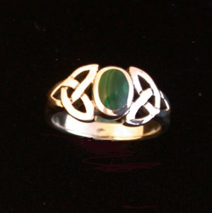 STERLING SILVER CELTIC TRISKELE RING WITH MALACHITE