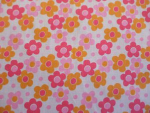 PINK DAISY PRINT POLY COTTON LARGE PRINT