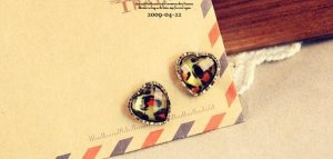 Unique Antiqued Retro Style Vintage leopard Stud Earrings