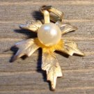Vintage Detailed Gold Tone Alloy Leaf Pendant Faux Pearl Fashion Costume Jewelry