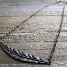 Vtg Bronzed Copper Tone Feather Pendant Necklace Boho Cowgirl Fashion Jewelry