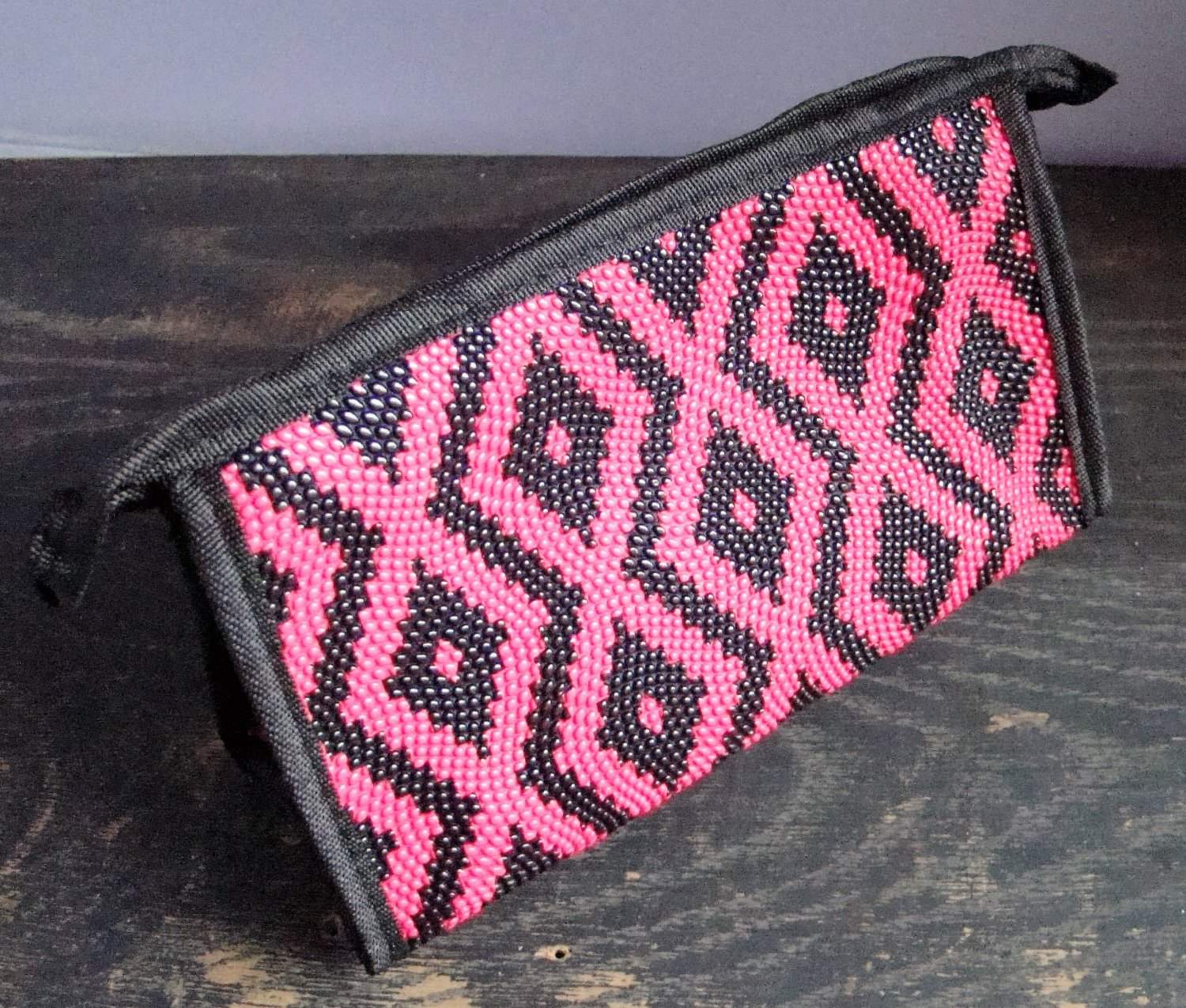 Pink Aztec Print Pattern Cosmetic Makeup Hand Bag Carry All Purse Accessory Zipper