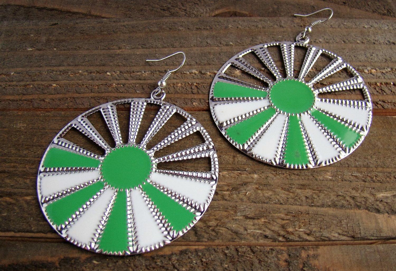 Green White Sunburst Silver Wheel Fan Circle Round Dangle Hook Earrings Fun Fashion Jewelry