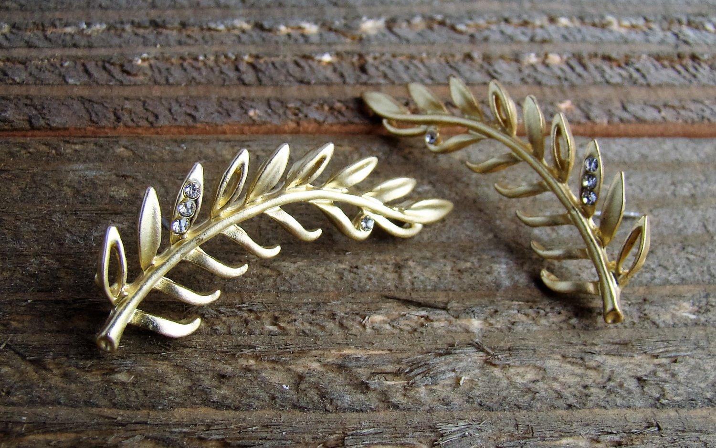 Hanging Leaf Rhinestones Stud Pierced Earrings Fashion Jewelry Shiny Gold Tone