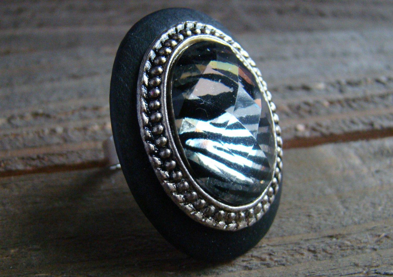 Large Ring Zebra Animal Print Rhinestone Statement Black Wood Metal Fashion Jewelry