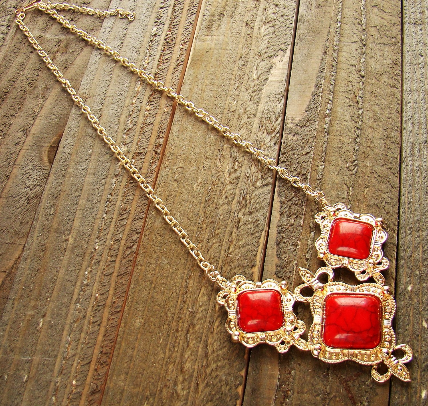 Filigree Triple Simulated Red Stone Pendant Gold Chain Necklace Cowgirl Fashion Jewelry