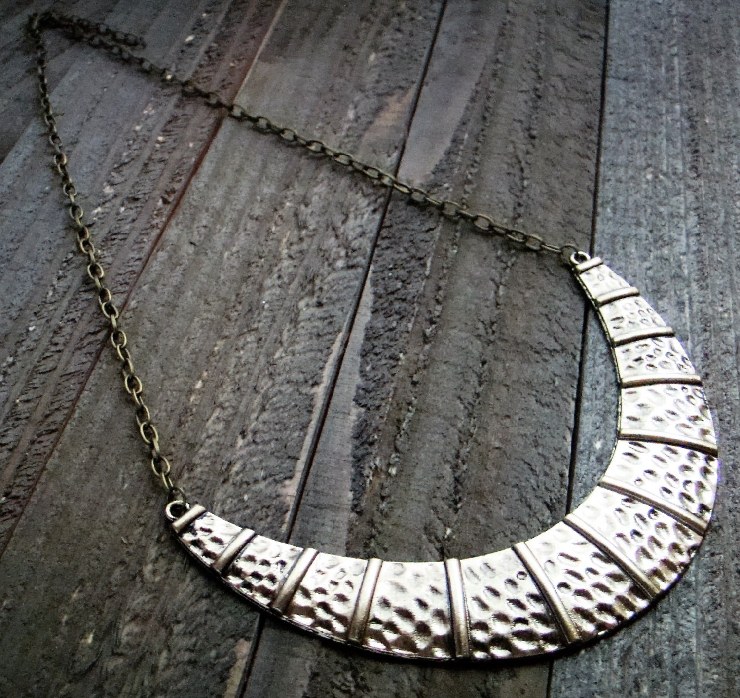 Hammered Style Burnish Gold Crescent Chain Link Necklace Fashion Jewelry Silver Gold Tone