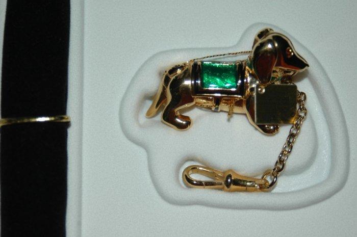 Estee Solid Compact ~ GOLDEN DACHSHUND ~ MIB
