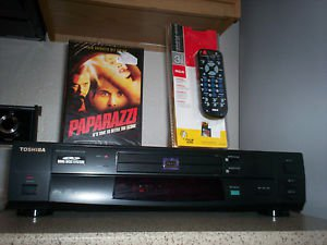 Refurbished Toshiba SD-2150 2 Disk DVD Player W/1 DVD Movie & 3-1 Universal Remote