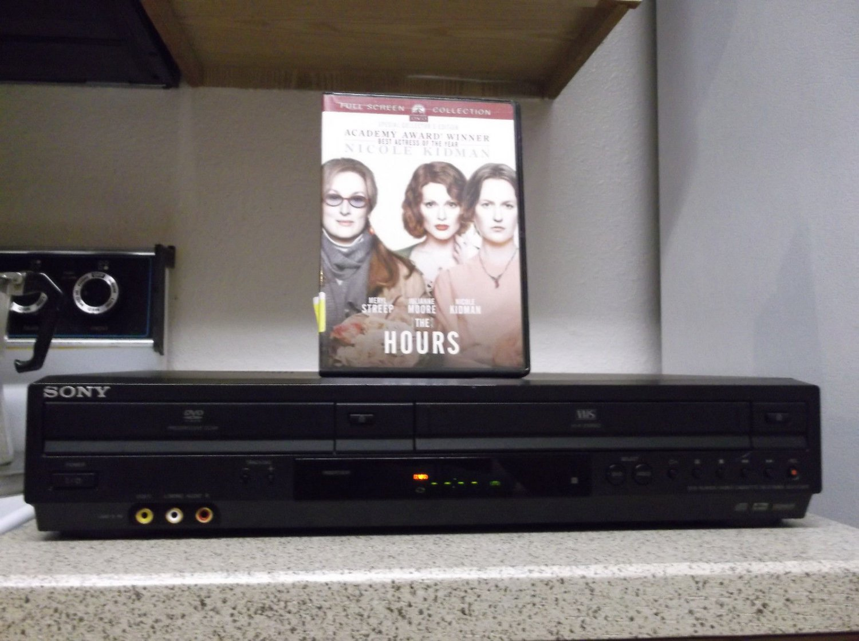 $0-Ship W/Refurbished Sony SLV-D281P VCR/DVD Player W/ Progressive & 1 DVD Movie