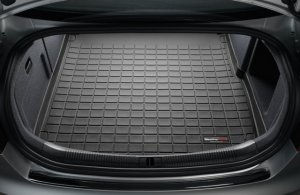 WeatherTech Custom Fit  2004 - 2010 BMW Sedan 5-Series (E60/E61) Black Cargo Liner