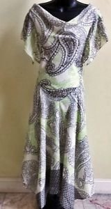 Signature by Robbie Bee Chiffon Flutter-Sleeve Beaded Long Dress Size 4, NWT $79