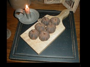 ****WHOLESALE****Very PriMitiVe Old & Early Pumpkins~Cupboard Cakes~