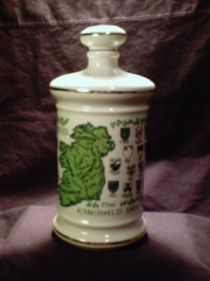 Stitzel Weller Genuine Porcelain Irish Whisky Decanter with cork cap (1969)