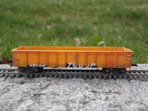 custom weather GRAFFITTIED STORAGE WARS dave hester yuup car ho scale