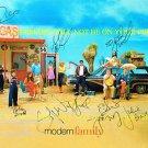 MODERN FAMILY AUTOGRAPHED CAST 8x10 RP PHOTO BY 10 JULIE BOWEN SOFIA VERGARA +