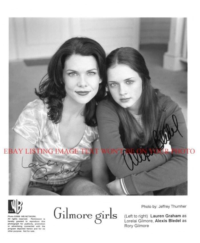 THE GILMORE GIRLS CAST AUTOGRAPHED 8x10 RP PHOTO LAUREN GRAHAM AND BLEDEL