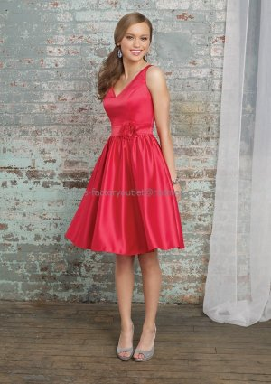 V- Neck Short Bridesmaid Dress Red Satin Homecoming Dress A-line Cocktail Dress