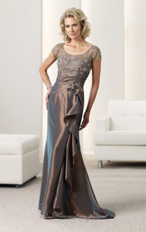 Round Neck Evening Dress Beaded Brown Prom Dress Mother of the Bride Groom Dress Free Lace Bolero