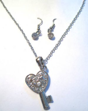 Key to my heart Necklace earrings set silver crystal