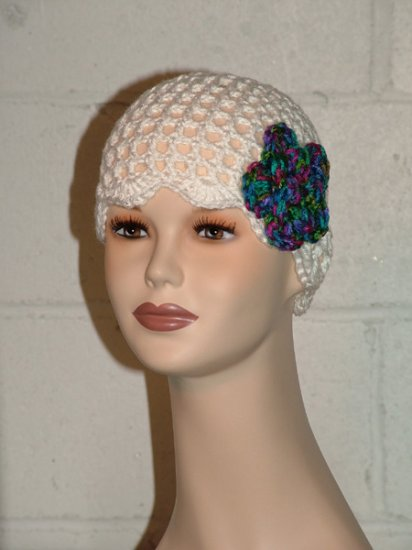 KNC Hand Crochet Skull Cap w Flower Pin White  Sz Teen