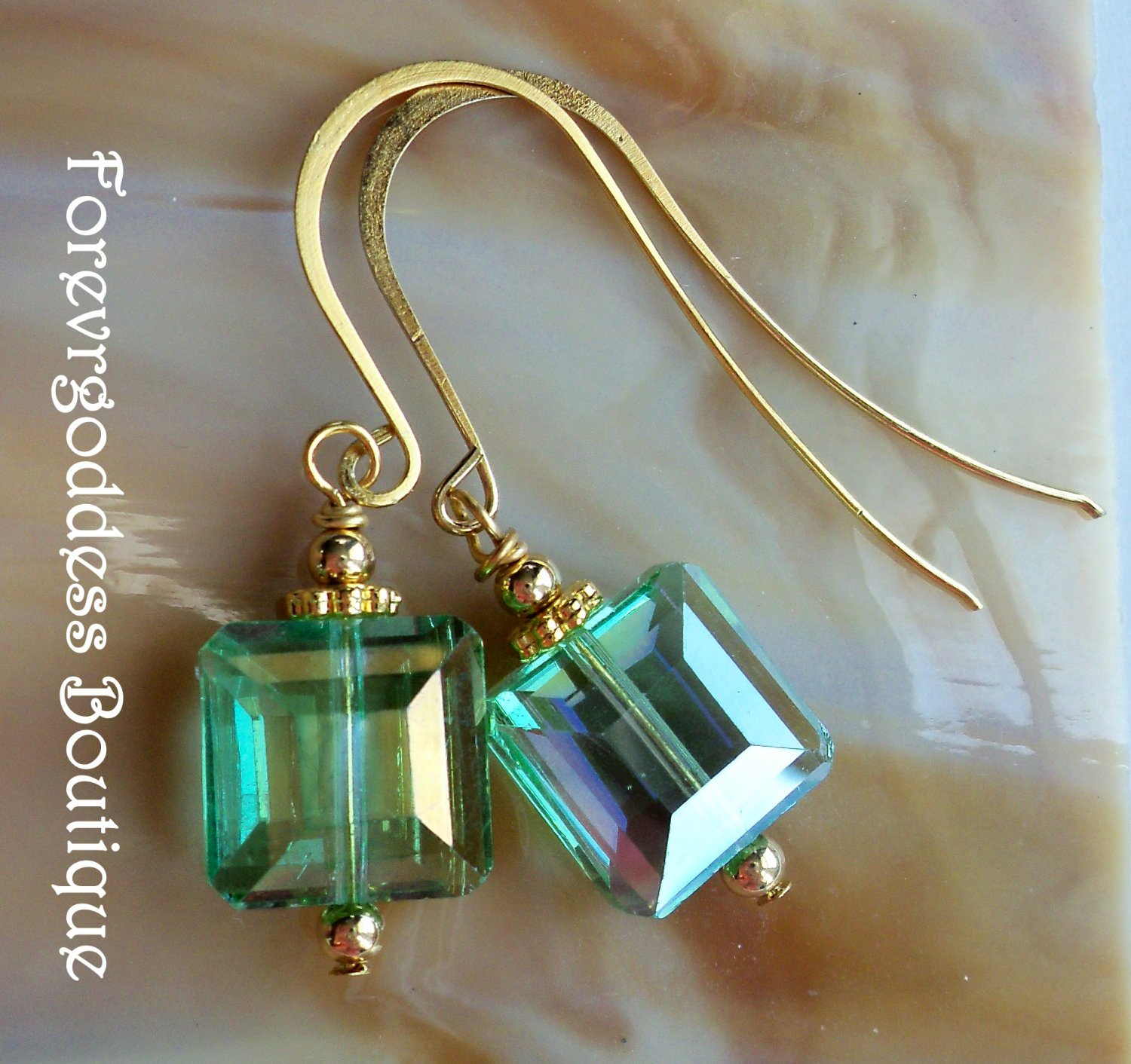 Green crystal square and gold
