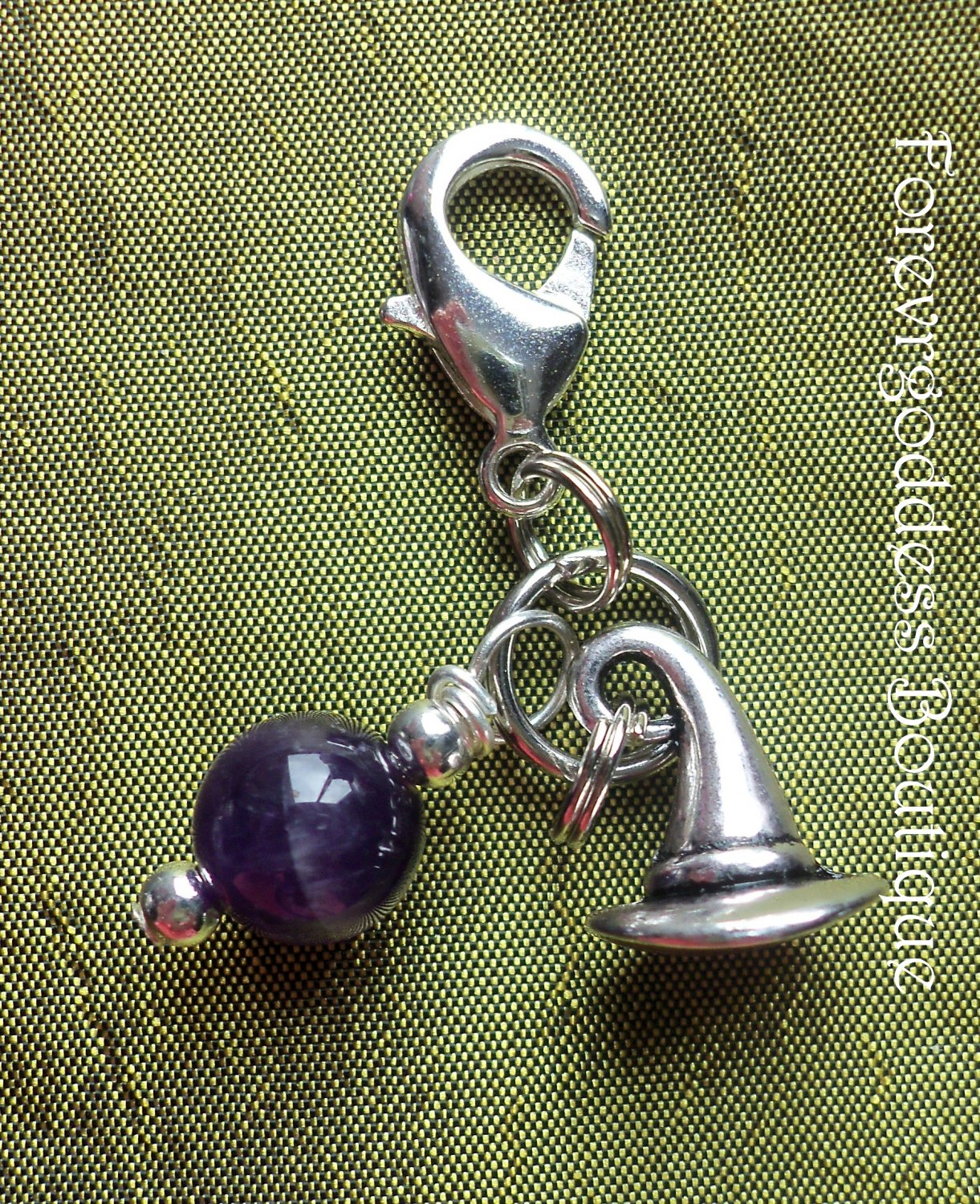 Amethyst / Witch�s hat pet  pendant
