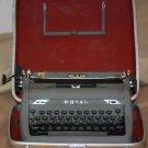 Royal Quiet De Luxe Typewriter With Red Interior Case