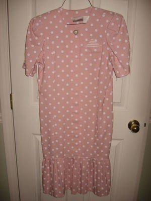 Misses Size 6 PENBROOKE LANE DRESS Pink with White Polka Dots PRE-OWNED Pleats