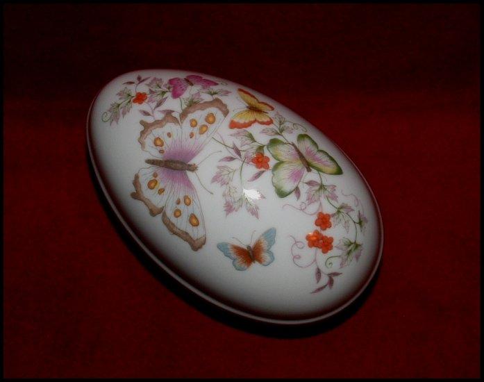 Vintage Avon Porcelain Trinket Box 1974