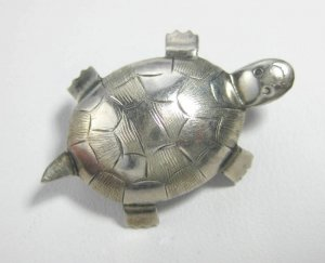 Vintage MCM Sterling Silver Figural Small Turtle Pin