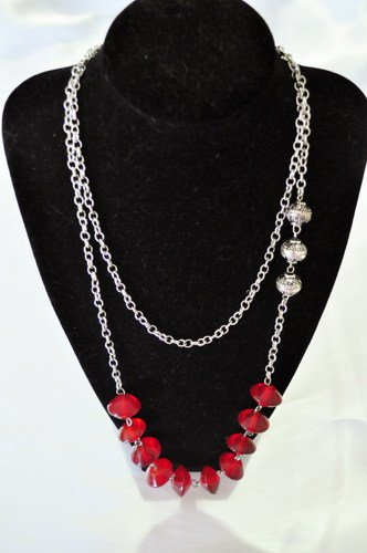 Necklace multistrand silver with red glass accents