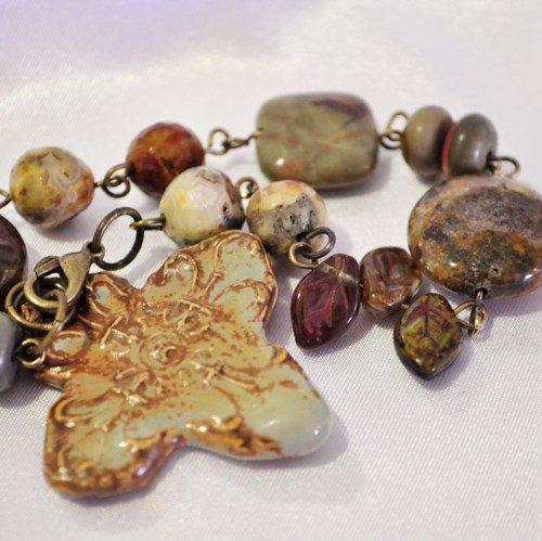 Bracelet ceramic glass celtic cross in natural colors