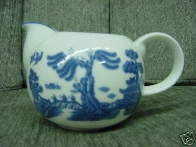 ROYAL DOULTON Antique WILLOW CREAMER JUG FINE CHINA PITCHER