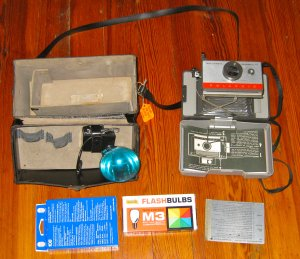 VINTAGE POLAROID AUTOMATIC CAMERA 104, CASE, FLASH, MORE