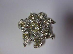 VintagStar flower silver tone vintage pin brooch stunning